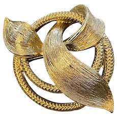Lisner Gold Tone Rope Pin Signed