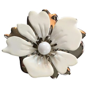 Sarah Coventry Brooch White Enamel on Silver Tone Flower