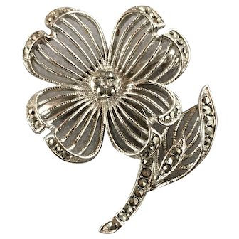 Lisner Flower Silver Tone Brooch with Rhinestones
