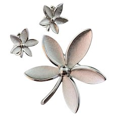Soft Flower Petals with Burnished Texture Brooch and Earrings Trifari