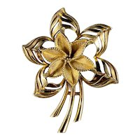 Lovely Pinwheel/Pointsettia Flower Brooch formed in Goldtone Metal from Lisner.