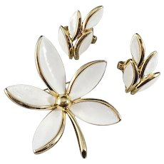 White on Goldtone Trifari Demi Parure Brooch and Earrings
