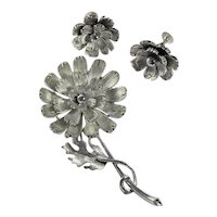 Lisner Flower Brooch and  Earrings Set