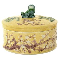 1930's Chinese Sancai Relief Porcelain Plum Blossom Box Fu Foo Dog Lion Finial