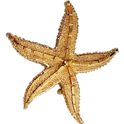Starfish Goldtone Brooch with Pretty Etched Design