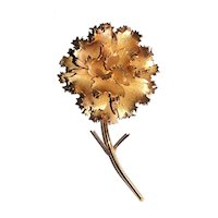 GIOVANNI signed Beautiful Flower Goldtone Brooch