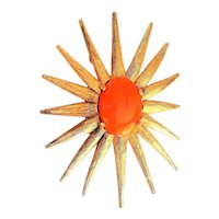 Flower Burst Goldtone Pin Brooch with Pretty Orange Center