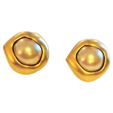 KJL signed Beautiful Goldtone Clip On Earrings with Pretty Faux Pearl Center