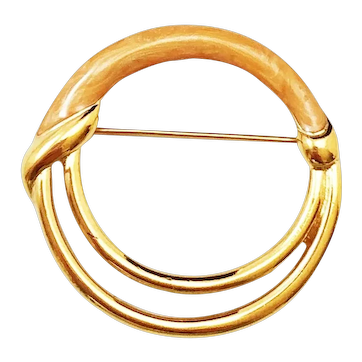 MONET signed Goldtone Circle Pin Brooch with Pretty Beige Enamel