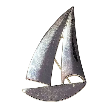 BEST signed Cute Silvertone Sailboat Pin Brooch and Pendant