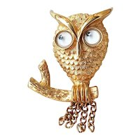 AVON signed Cute Owl Goldtone Pin Brooch with Little Googly Eyes