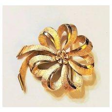TRIFARI - Classic Flower Goldtone  Pin Brooch