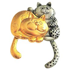 DANECRAFT -  Cute Cuddling Kitty Cats Goldtone and Silvertone Pin Brooch with Moving Tails