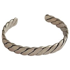 Very Nice Polished Stainless Steel Rope Designed Cuff Bracelet