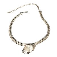 LEAF NECKLACE  Silvertone with Pretty Detailed Leaf