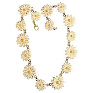 50% OFF - Pretty Daisy Flower Goldtone Necklace