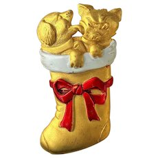 Very Cute  JJ  Puppy Dog Kissing Kitty Cat in a Christmas Stocking Pin Brooch