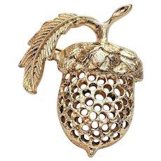 SARAH COVENTRY  Cute Acorn Goldtone Pin Brooch