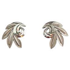 CROWN TRIFARI  Silvertone Leaf Clip On Earrings
