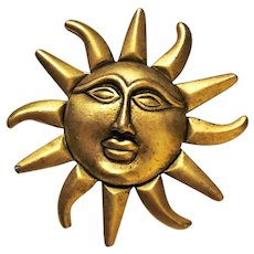 SALE - Goldtone Sunshine Pin Brooch with a Face