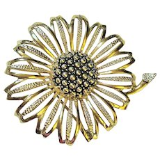 SARAH COVENTRY  signed Flower Goldtone Pin Brooch