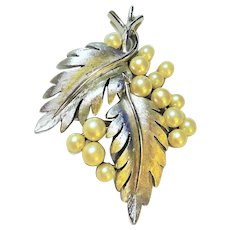 50% OFF - CROWN TRIFARI - Classic Silvertone Leaves Cluster Pin Brooch with Faux Pearls