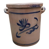 Circa 1900 New England Salt Glaze Stoneware 8 Quart Crock with Blue Arrow Decoration