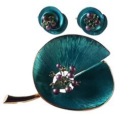 Vintage Signed Kramer  Lily Pad Brooch and Earrings