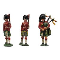 Timpo Scottish Soldiers and Bagpiper Vintage Lead Soldiers