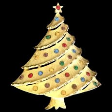 Christmas tree pin with multicolored rhinestones signed JJ
