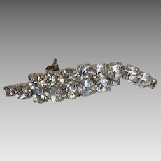 Lovely vintage rhinestone plume or feather pin