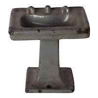 Cast Iron Metal Dollhouse Bathroom Stand Sink