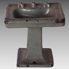 Cast Iron Metal Dollhouse Bathroom Stand Sink