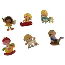 Set of 6 Vintage Strawberry Shortcake Friends and Babies Figures.