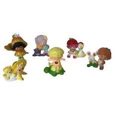 Set of 6 Vintage Strawberry Shortcake Friends and Babies Figures with Pets