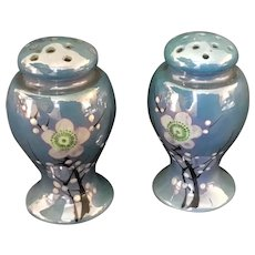 Salt and Pepper Shakers Iridescent Blue with Moriage accents Japan