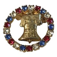 Vintage American Bicentennial Patriotic Circle Pin with Liberty Bell