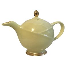 Hall Drape Moderne 6 cup Tea Pot