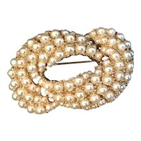 Vintage ART Simulated Pearl Knot Pin