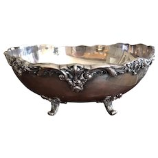 Reed & Barton Large Footed Centerpiece Bowl Silver Plate Burgundy Pattern 740