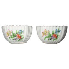 Herend Hungary Pair of Floral Ribbed Salt & Pepper Cellars