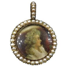 Antique Pearl Round 9ct 9K Yellow Gold Portrait Glass Locket Pendant Boxed