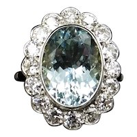 Aquamarine and Diamond Oval Halo Cluster 18ct 18K Gold Ring