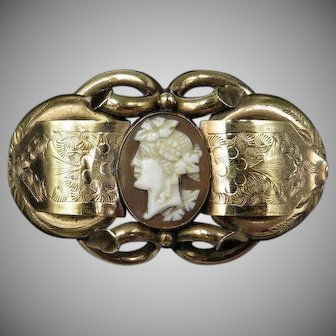 Antique Victorian Hand Carved Shell Cameo Pinchbeck Gold Knot Brooch Pin | Circa. 1860