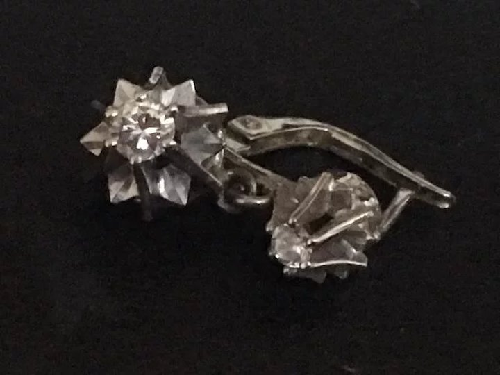 9a936999b1eb6d French Antique diamond drop earrings 18 K white gold circa 1910s ...