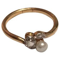 Antique  toi et moi diamond and natural pearl 18 K Gold ring