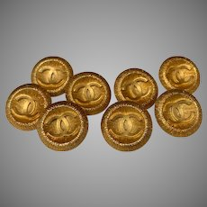 8 vintage Chanel buttons large ( 20 mm)