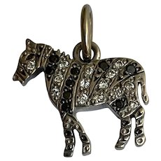 DODO Pomellato 18 K  white gold diamonds Horse charm