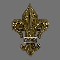 Antique  Slide for muff chain fleur de lis 18 K gold with seed pearl
