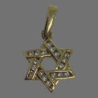 Vintage 18 K gold Diamond Star pendant charm
